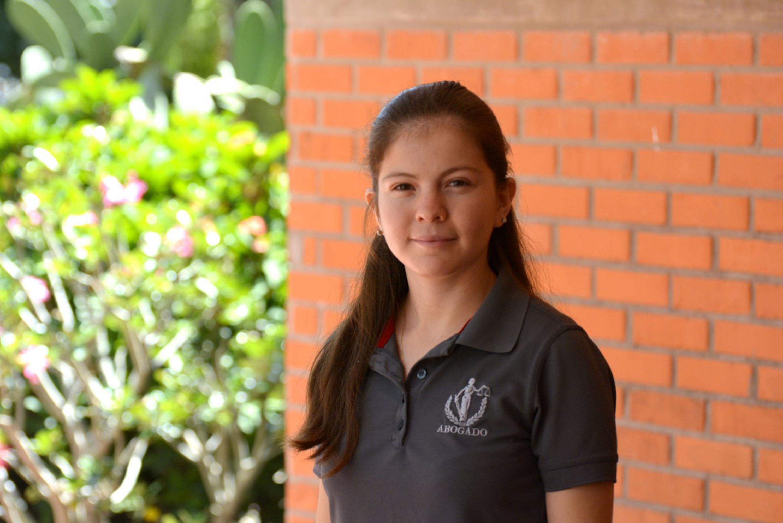 Jetsabel Anahí Pelayo Torres, alumna del Centro Universitario de la Costa Sur (CUCSur), participando en entrevista.