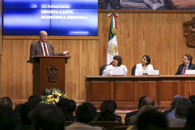 En una ceremonia se celebraron los 30 años de la revista Carta económica regional