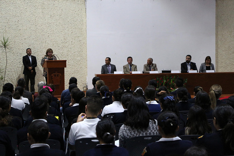 La doctora Ibarra Gonzalez menciono que dicho logro es producto de una suma de esfuerzos de distintos actores, como el cuerpo de profesores y todo el equipo directivo