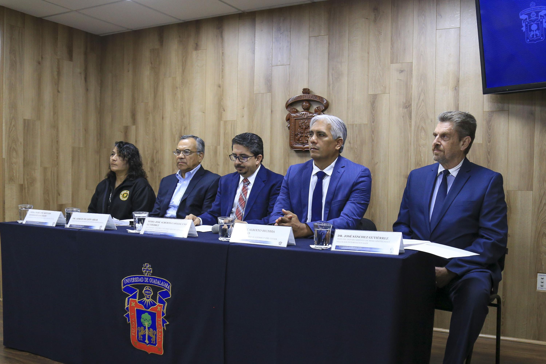 Rueda de prensa para anunciar que a partir del próximo semestre se abrirá la Ingeniería en Negocios en el Centro Universitario de Ciencias Económico Administrativas (CUCEA)
