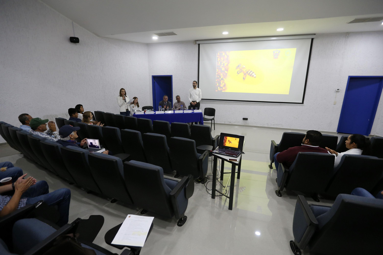 La presentación de los resultados de la investigación se hizo en un salon de CUCBA