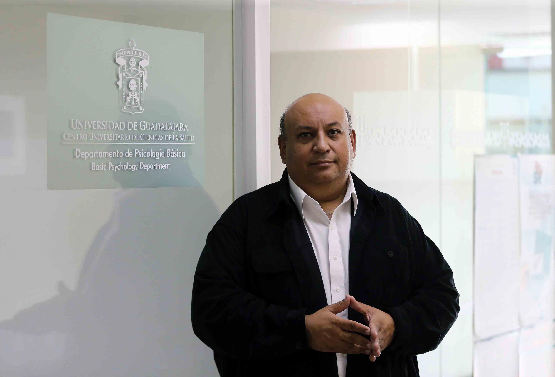 Jefe del Departamento de Psicología Básica, del Centro Universitario de Ciencias de la Salud (CUCS), maestro Francisco Gutiérrez Rodríguez.