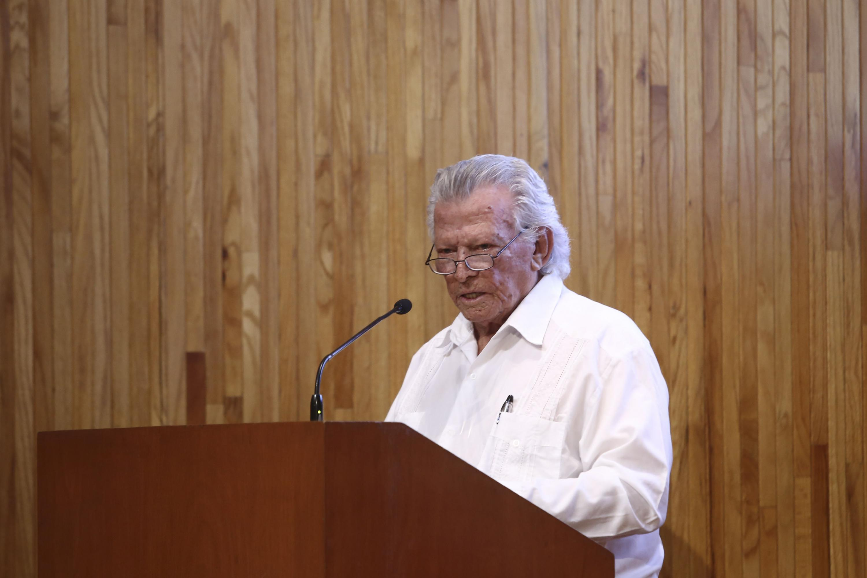 El chef Nacho Cadena al momento de presentar su conferencia