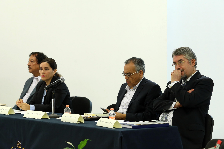 El evento se llevo a cabo en una sala de juntas del CUCSH