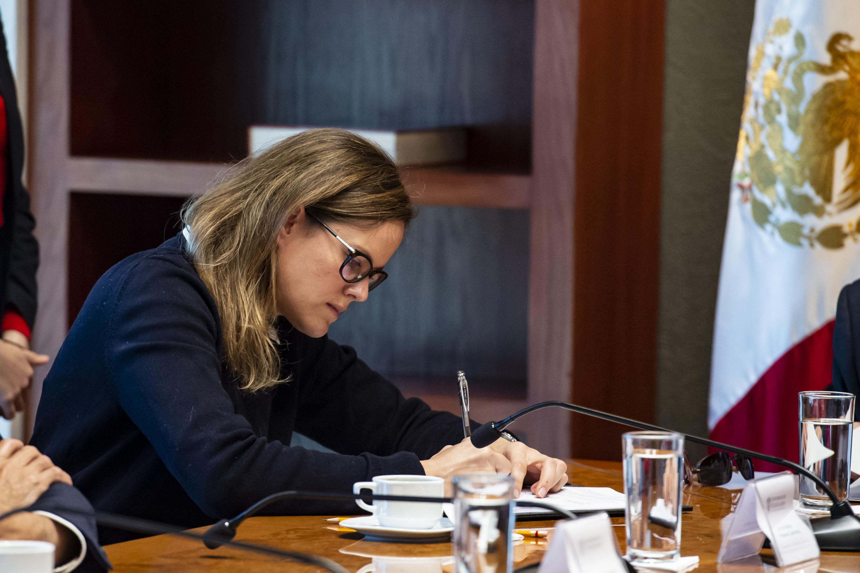 Licenciada Ana María Petersen Camarena, Vicepresidenta de Promoción y Desarrollo del Patronato de la Orquesta Filarmónica de Jalisco A.C durante la firma del convenio