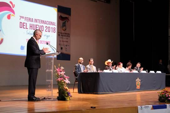el Auditorio Dr. Rodolfo Camarena Báez del CUAltos durante el momento de la inauguración