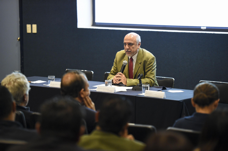 Director del Conacyt doctor Enrique Cabrero Mendoza, haciendo uso de la palabra