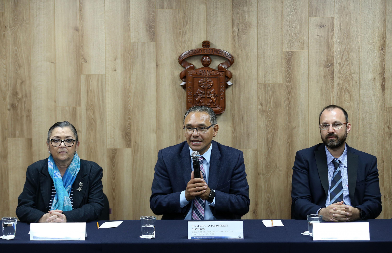 Director de la División de Electrónica y Computación del CUCEI, doctor Marco Antonio Pérez Cisneros, haciendo uso de la palabra