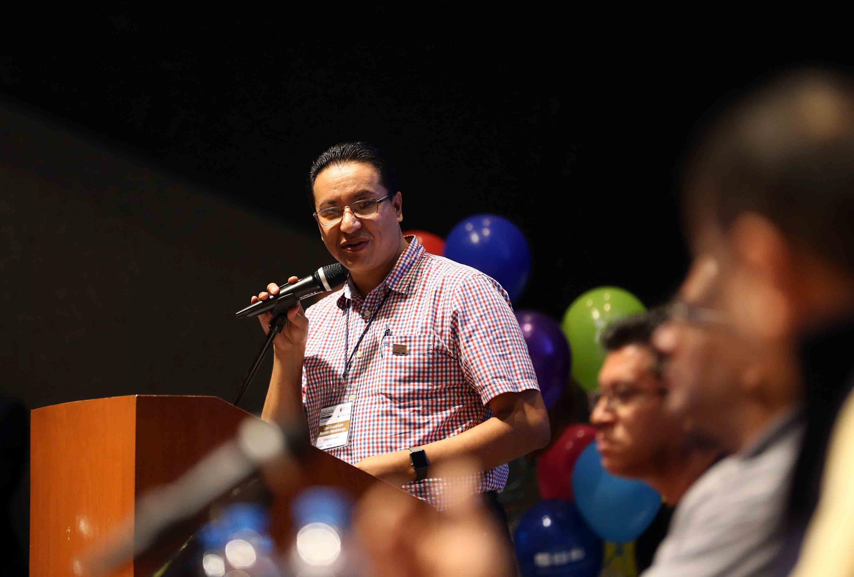 Maestro José Guadalupe Morales Montelongo, Coordinador de Desarrollo de la Coordinación General de Tecnologías de la Información de la UdeG, haciendo uso de la palabra durante la ceremonia de clausura