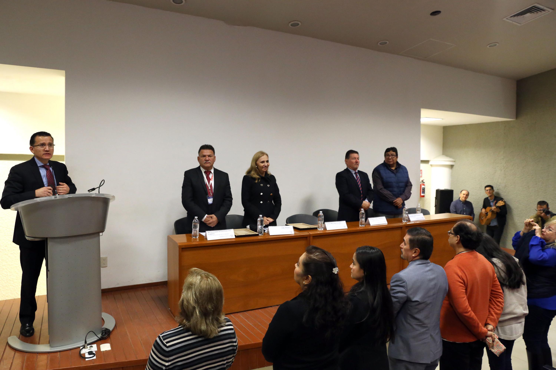 Momento en el que el doctor Eduardo Gómez Sánchez  declara inaugurada la reunion de REDIPSA