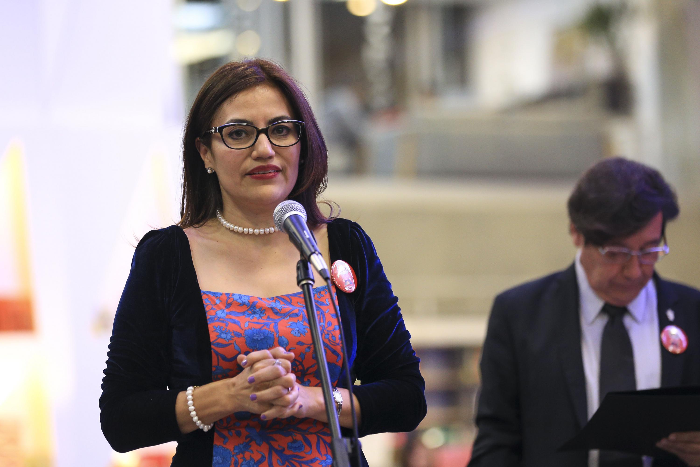 doctora Patricia Rosas Chávez hablando durante el evento