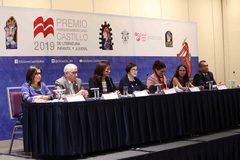 Presentación de la convocatoria del Premio Hispanoamericano Castillo de Literatura Infantil y Juvenil, durante la Feria Internacional del Libro