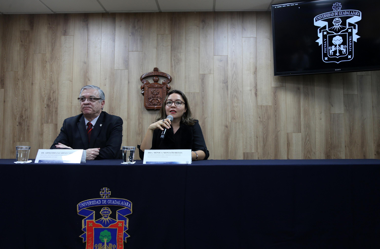 Académicos de la Universidad de Guadalajara en rueda de prensa para dar a conocer que el Sexenio de Aristóteles Sandoval fue positivo