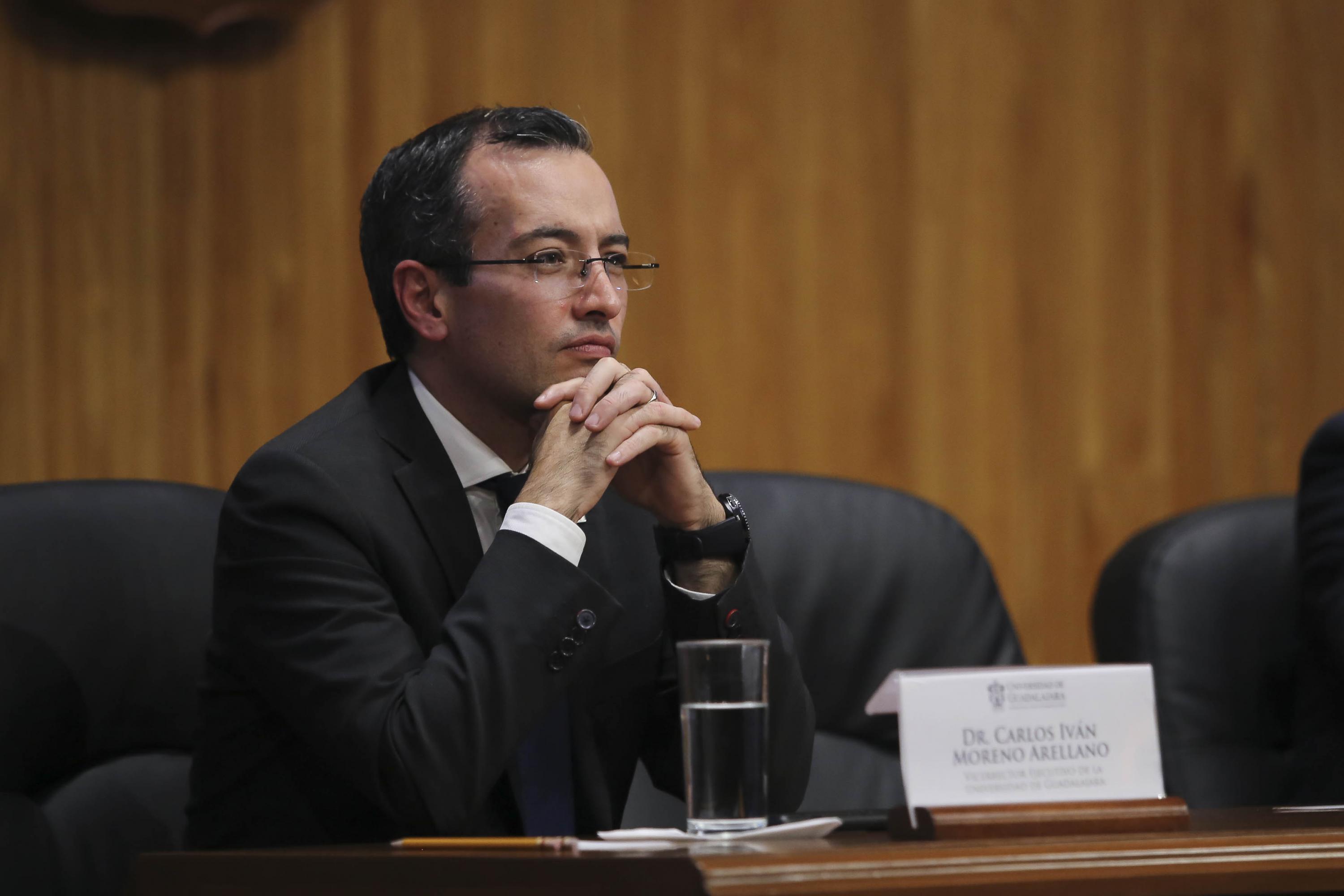 """Vicerrector Ejecutivo Carlos Ivan Moreno Arellano participando en la conferencia """"Beyond smart cities"""""""