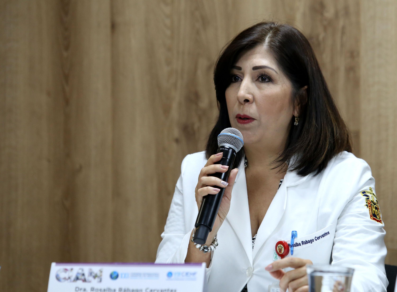 Coordinadora del Módulo de Medicina de Rehabilitación, doctora Rosalba Rábago Cervantes, haciendo uso de la palabra