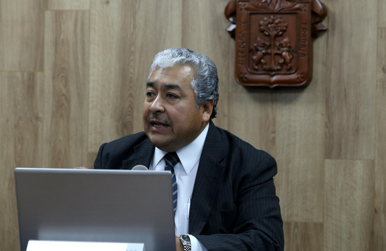El doctor Héctor Luis del Toro Chávez fue entrevistado en la sala de prensa de la Universidad de Guadalajara