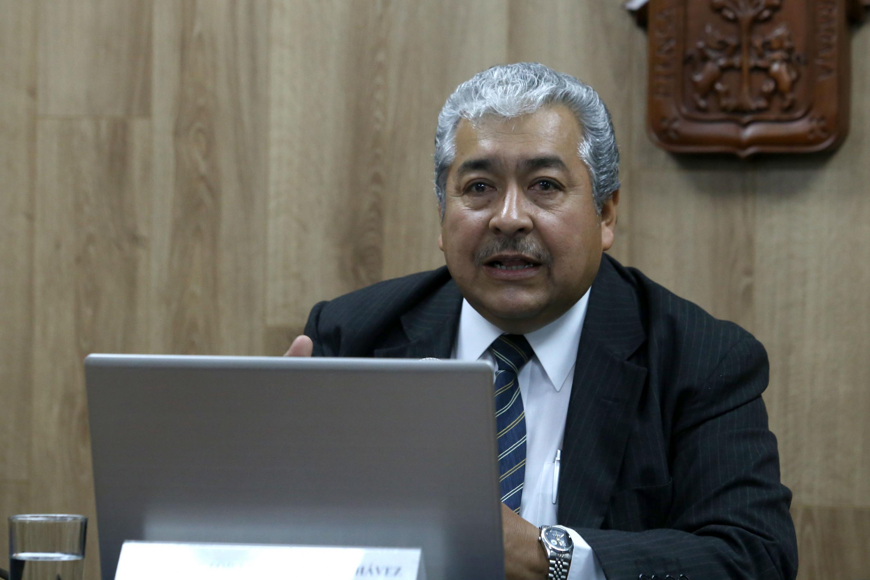 El doctor Héctor Luis del Toro Chávez presentó algunas diapositivas con información graficas