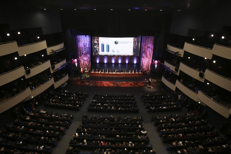 Vista desde el balcón del Teatro Diana durante la presentación del Informe de Actividades