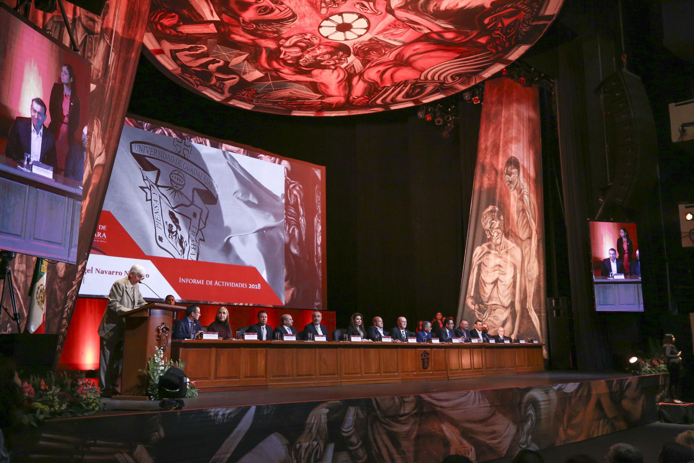 Vista panoramica del  Teatro Diana durante la presentación del Informe de Actividades