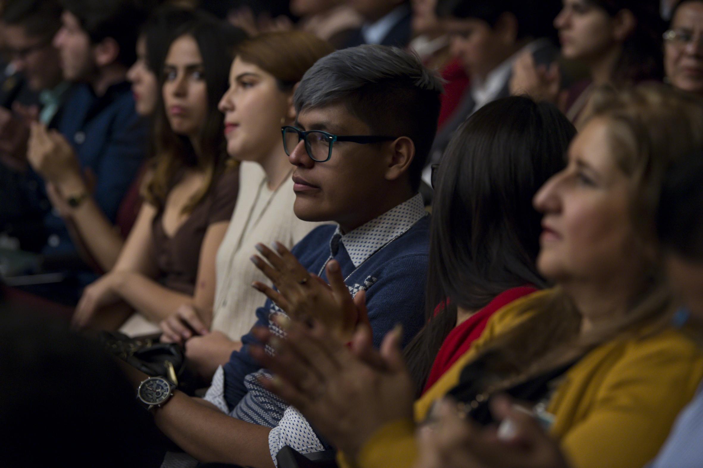 Publico asistente al informe de actividades de la doctora Ruth Padilla Muñoz