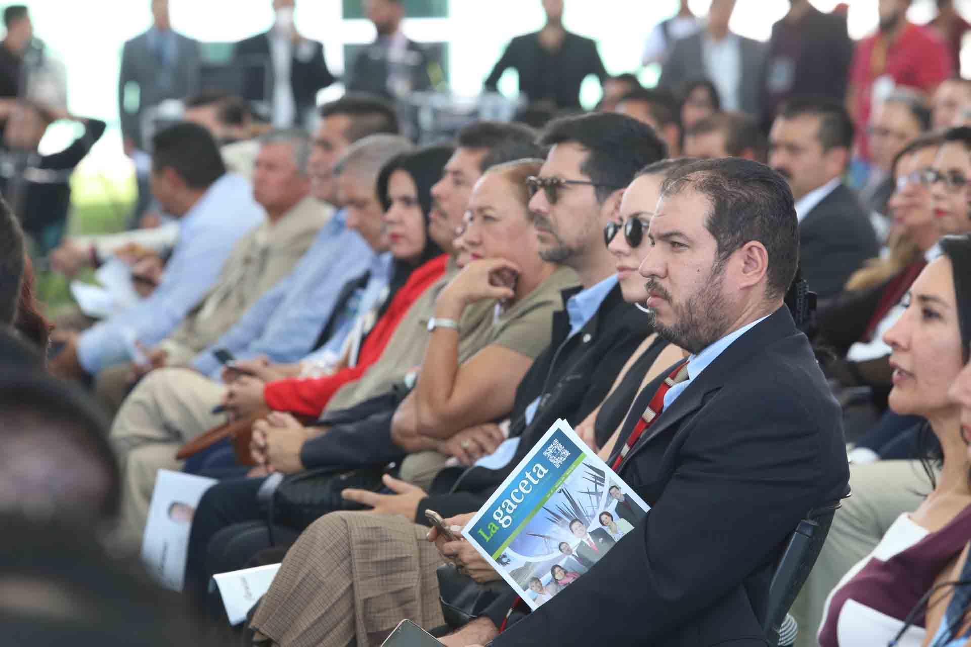 Comunidad universitsaria, de gobierno y de la región, presentes en el informe de actividades 2018 del Rector del CuValles.