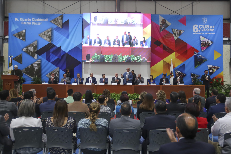 Vista panoramica del auditorio en donde  doctor Ricardo Xicoténcatl García Cauzor presentó su informe