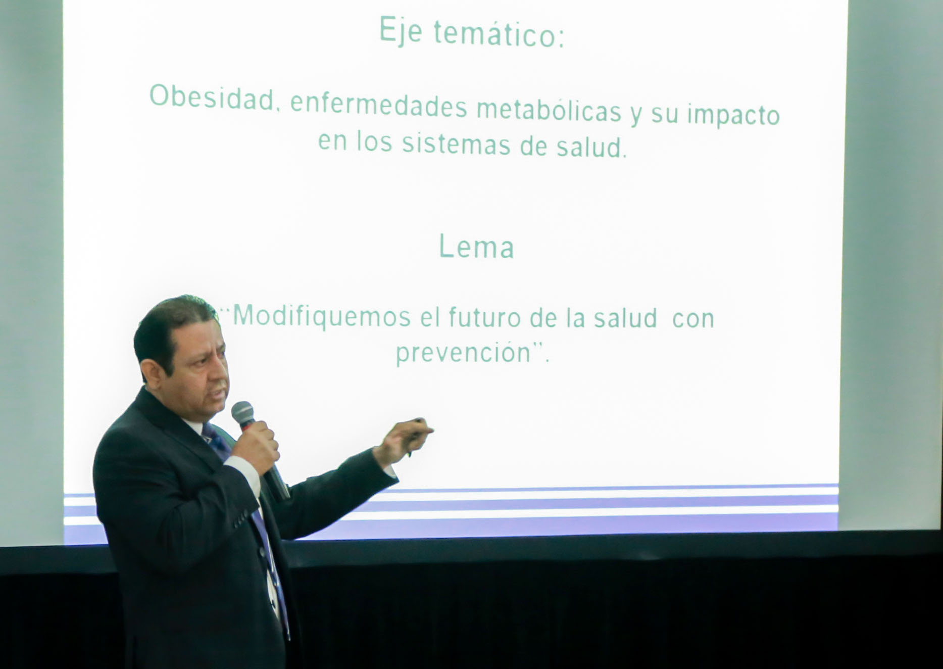 El director del CIAM 2019 expuso a los presentes los objetivos del evento