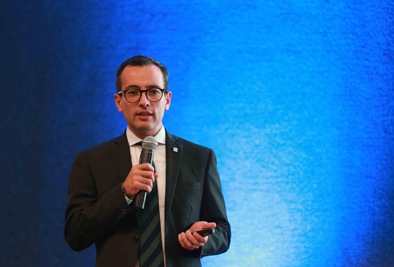 Vicerrector Ejecutivo de la Universidad de Guadalajara (UdeG), doctor Carlos Iván Moreno Arellano, participando en la Conferencia Las universidades en los ecosistemas de innovación