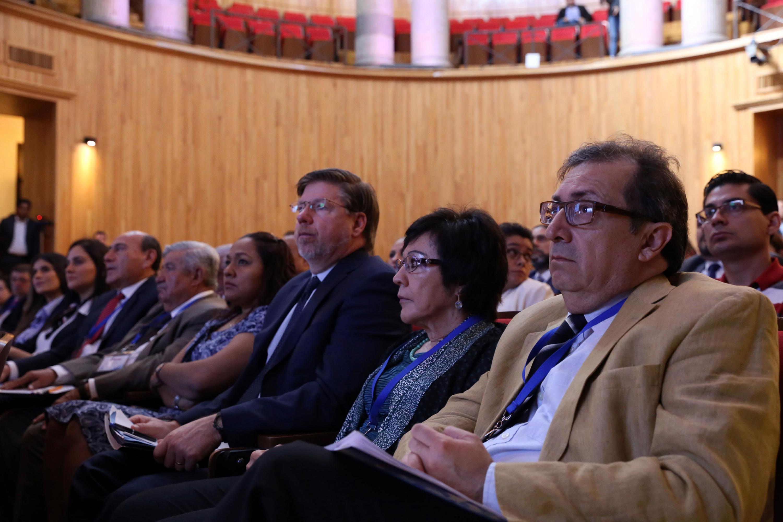 """Público asistente a la conferencia, """"Inteligencia financiera"""", dentro del Curso Especializado en Derechos Humanos e Inteligencia para Altos Funcionarios; en el Paraninfo Enrique Díaz de León."""
