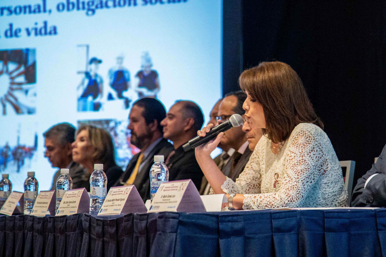 Inauguración del primer Foro Voluntariado: Vocación Personal, Obligación Personal y Elección de Vida, siendo este evento la primera actividad del XXI Congreso Internacional Avances en Medicina Hospital Civil de Guadalajara