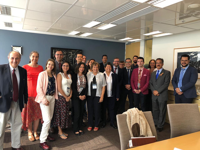 Foto grupal de La delegación fue encabezada por Sigala Gómez, e integrada por 10 profesores de más de siete centros universitarios