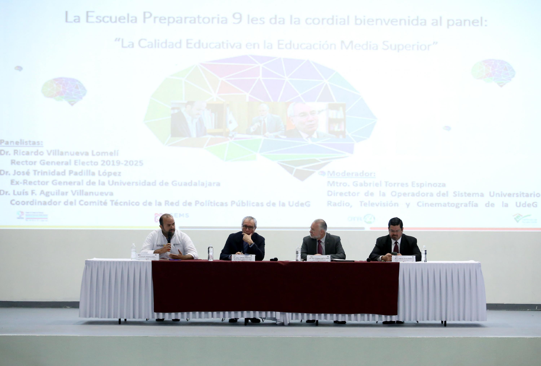 """Autoridades representantes de la Universidad de Guadalajara, participando en el panel """"La calidad educativa en la educación media superior"""""""
