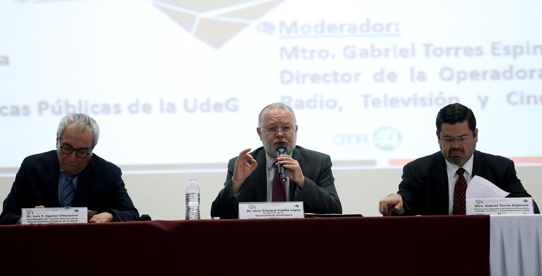Exrector de la UdeG y Procurador de Desarrollo Urbano del Estado, licenciado José Trinidad Padilla López, en uso de la palabra