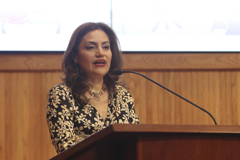 """La Directora general del Programa Universitario de fomento a la lectura """"Letras para Volar"""", doctora Patricia Rosas Chávez, en uso de la palabra"""