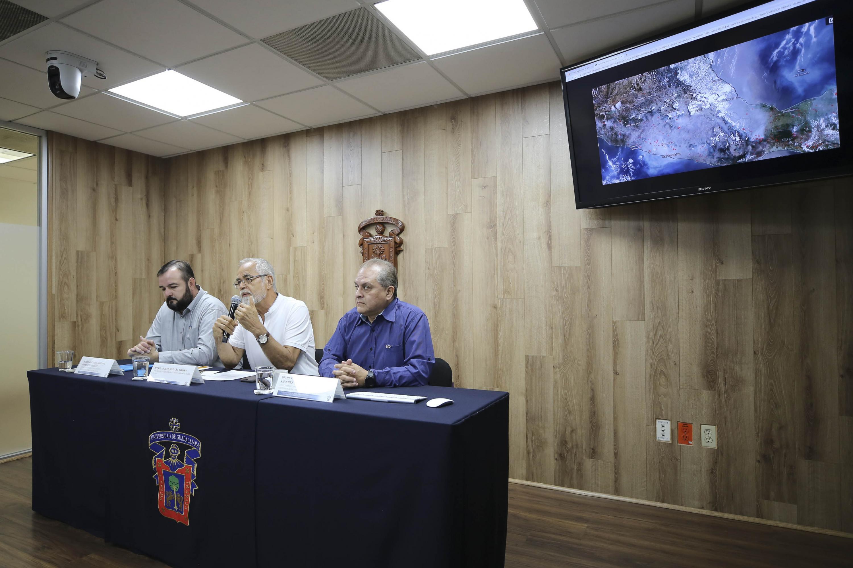 Jefe del Departamento de Ciencias Ambientales, del Centro Universitario de Ciencias Biológicas y Agropecuarias (CUCBA), maestro Miguel Magaña Virgen, en uso de la palabra