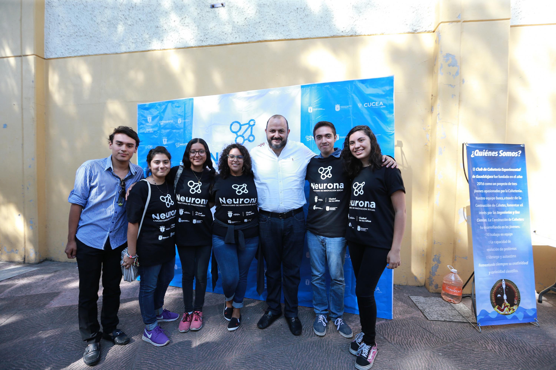 El Rector General de la Universidad de Guadalajara, doctor Ricardo Villanueva Lomelí, con Jóvenes de preparatoria de la Universidad de Guadalajara (UdeG) y de otros centros de educación media superior del Área Metropolitana de Guadalajara (AMG)