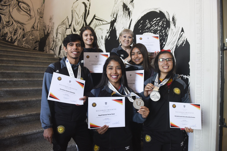 Delegación deportiva que representó a esta institución en la Universiada Nacional 2019 recibió reconocimientos