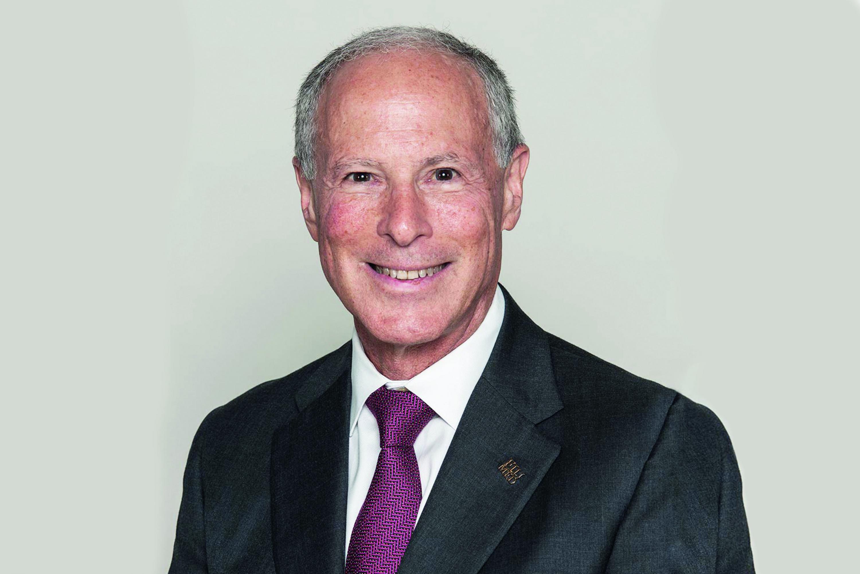 El médico y académico de la Universidad de Miami Robert L. Levine
