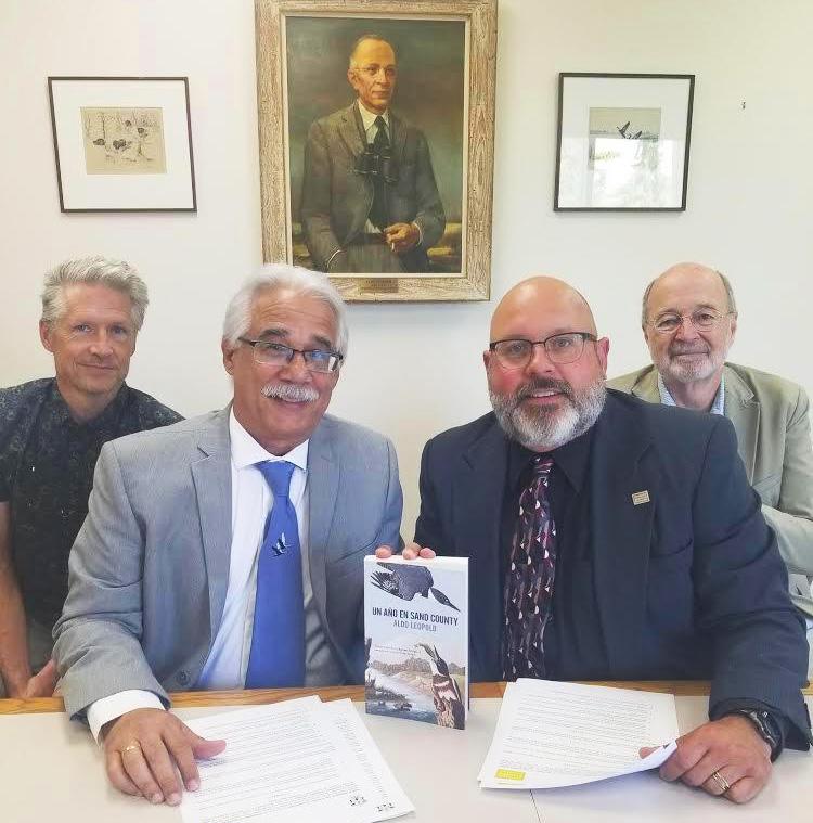 Los doctores Buddy Huffaker, Eduardo Santana, Eric Kruger y Stanley Temple