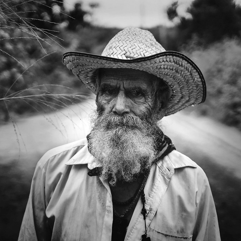 Fotografía que retratar el rostro de persona de distintos sectores de la sociedad