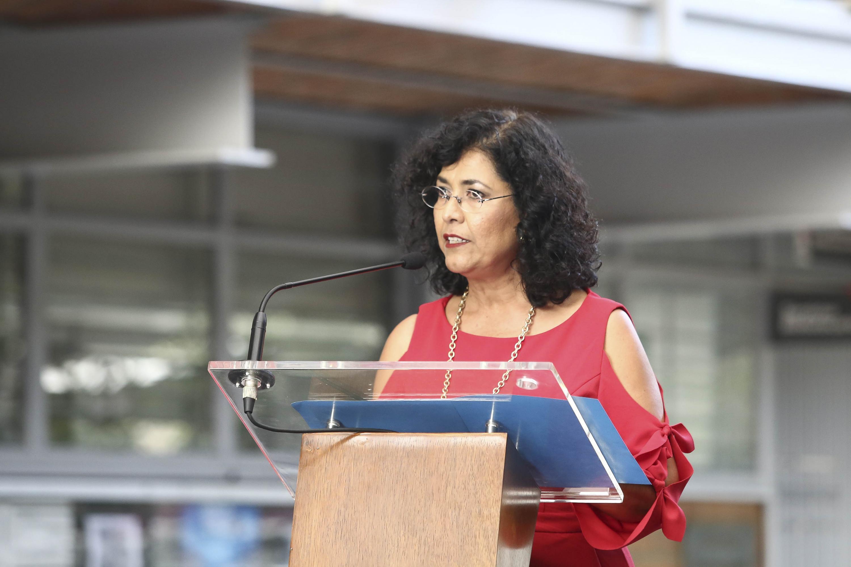 La directora del plantel, Aracely Ambríz Ramos, en uso de la palabra