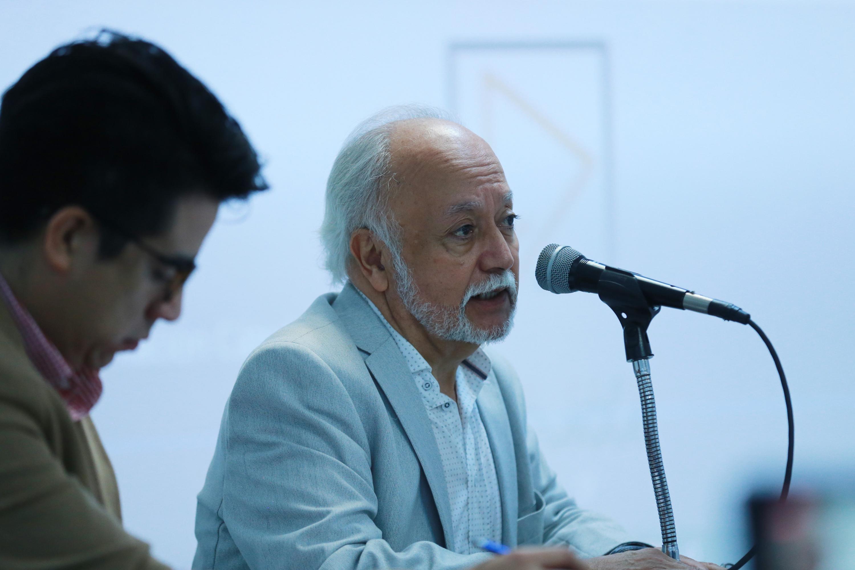 El investigador nacional emérito y Coordinador de la Cátedra UNESCO AMIDI UDG, doctor Guillermo Orozco Gómez, en uso de la palabra