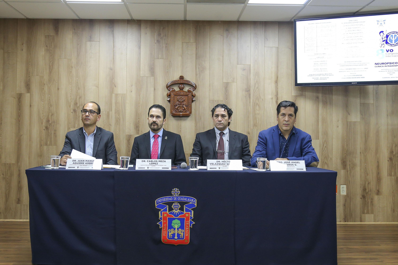 Médicos en rueda de prensa en la que se dio a conocer la realización del VIII Congreso Internacional de Neuropsicología Clínica Intrahospitalaria