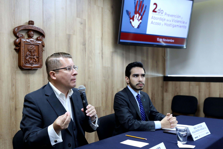 Académicos en rueda de prensa para informar sobre la realización del 2do Foro Multidisciplinar de Prevención y Abordaje de la Violencia, el Acoso y Hostigamiento