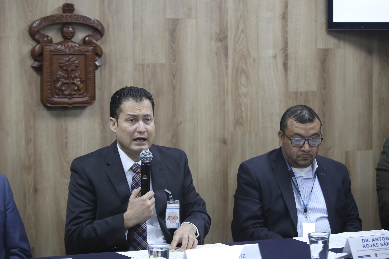 El Director del Antiguo Hospital Civil de Guadalajara (HCG) Fray Antonio Alcalde, doctor Rafael Santana Ortiz, en uso de la palabra