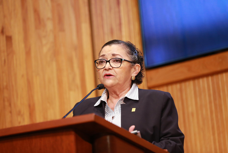 La Rectora del Centro Universitario de Ciencias Exactas e Ingenierías (CUCEI), doctora Ruth Padilla Muñoz, en uso de la palabra