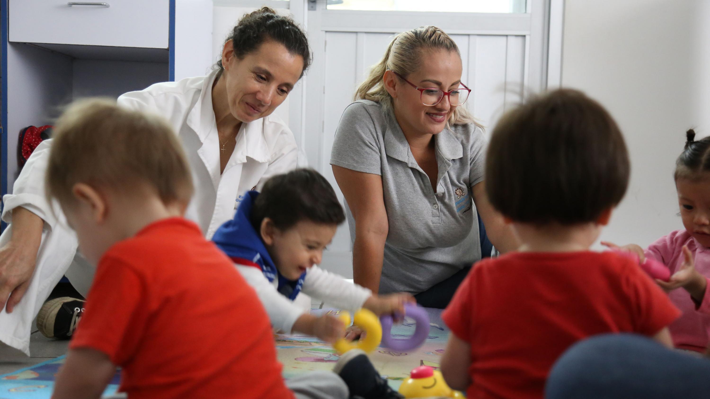 Niños cuidados en la guardería, ubicada al interior del Centro Universitario de Ciencias Económico Administrativas (CUCEA)