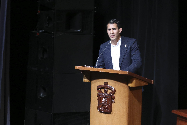 El Presidente de la Federación de Estudiantes Universitarios (FEU), en el periodo 2019-2022, Francisco Javier Armenta Araiza, en uso de la palabra
