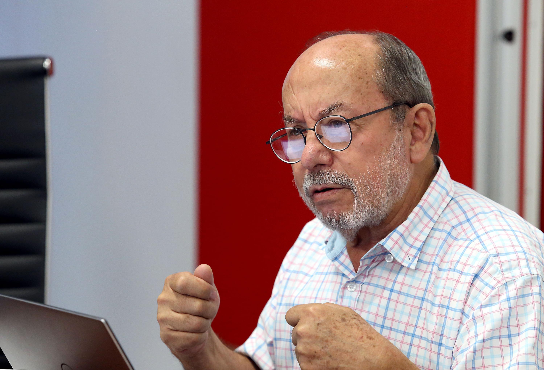 El académico del Departamento de Filosofía del CUCSH, doctor Ramiro Contreras Acevedo, en uso de la palabra