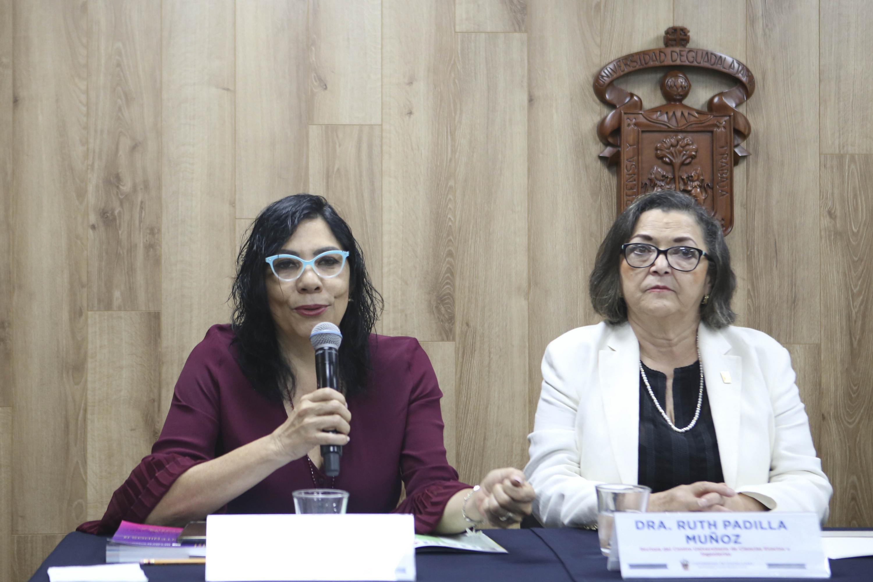 La Directora de Contenidos, de la Feria Internacional del Libro (FIL) de Guadalajara, licenciada Laura Niembro Díaz, en uso de la palabra